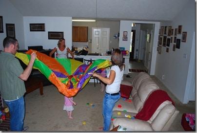 Parachutes with popcorn