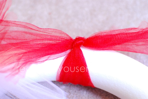 how to make a candy cane wreath