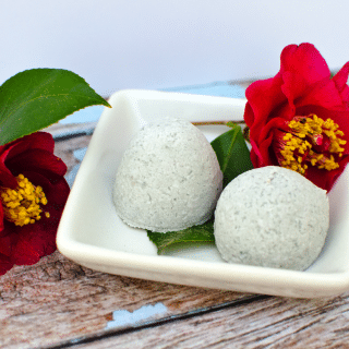 Homemade Fragrant Fizzy Bath Bombs