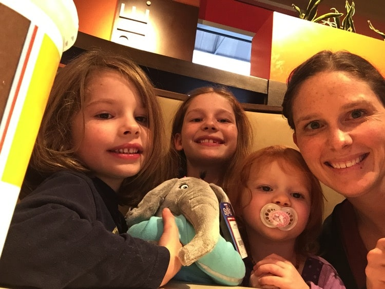 Mommy and Me Monday Dinner and a Show