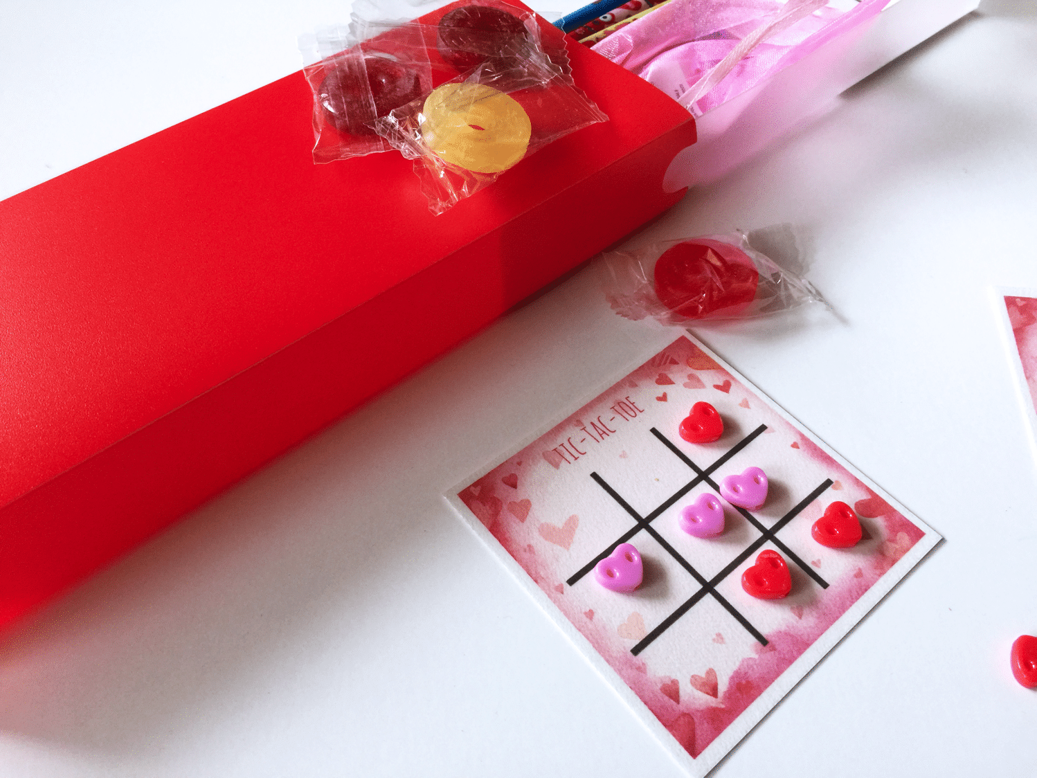 Valentine s tic tac toe reusable board closeup