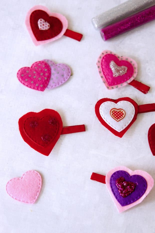heart day hair clips