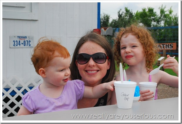 mommy and the girls eating shaved ice