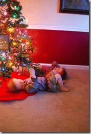girls under the tree