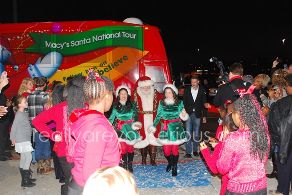 Santa arrives by bus Macy's #macysbelieve