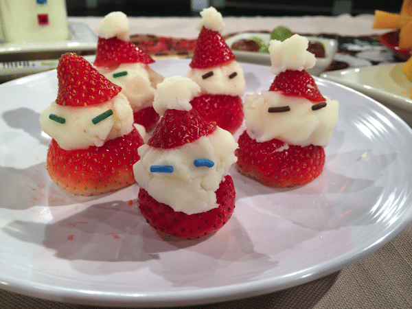 easy santa strawberries