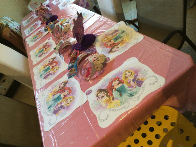 Sofia the first party table