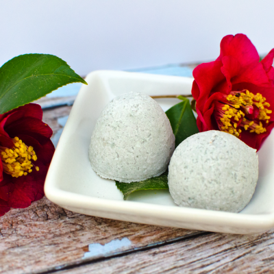 How to make homemade fragrant fizzy bath bombs at home for mother's day