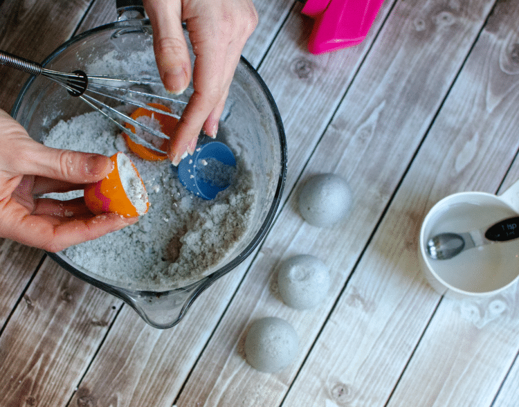how to make homemade fragrant fizzy bath bombs