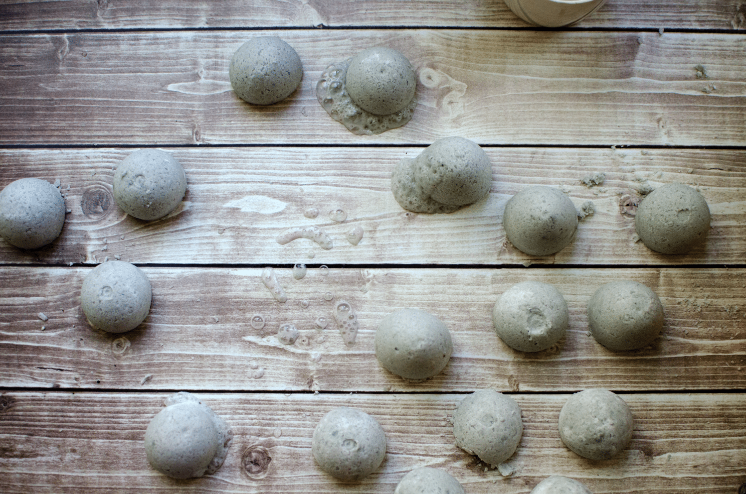 how to make Homemade Fragrant Fizzie Bath Bombs for Mother's Day