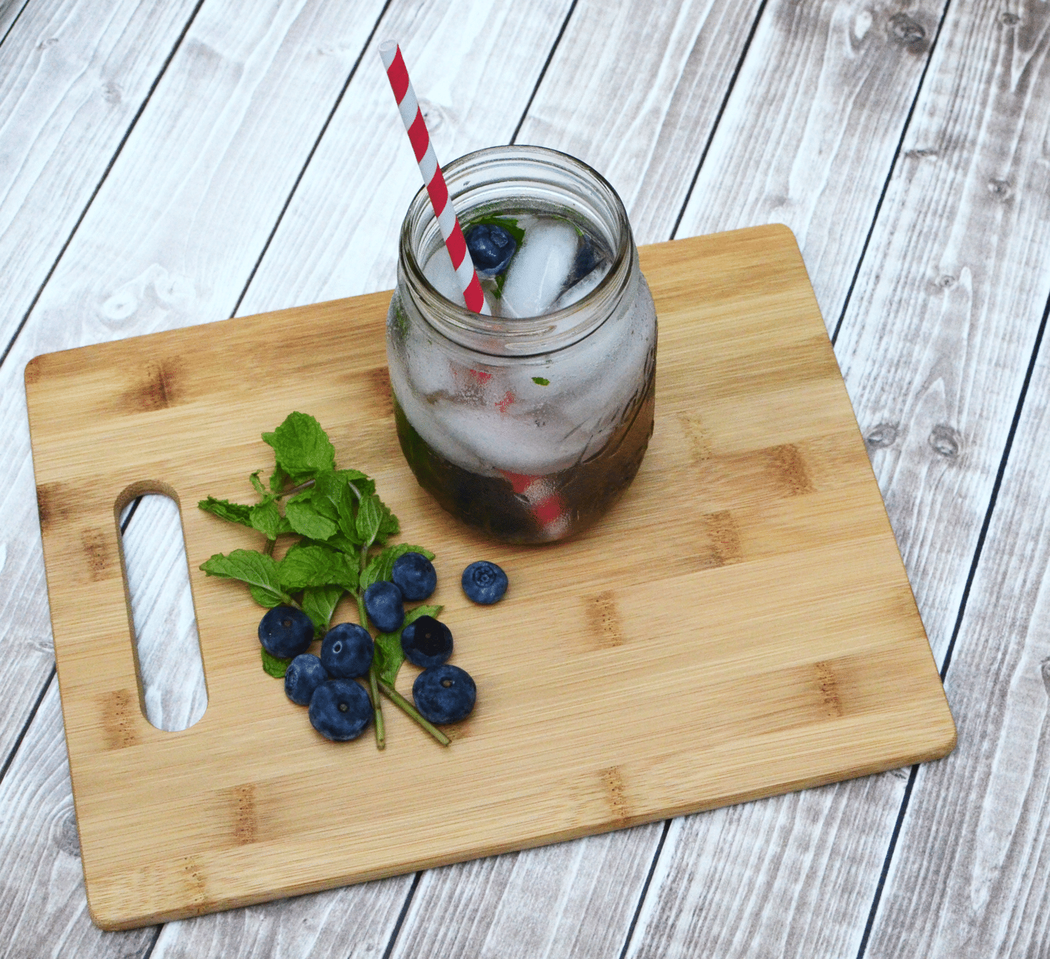 Refreshing Sparking Blueberry Mock-jito