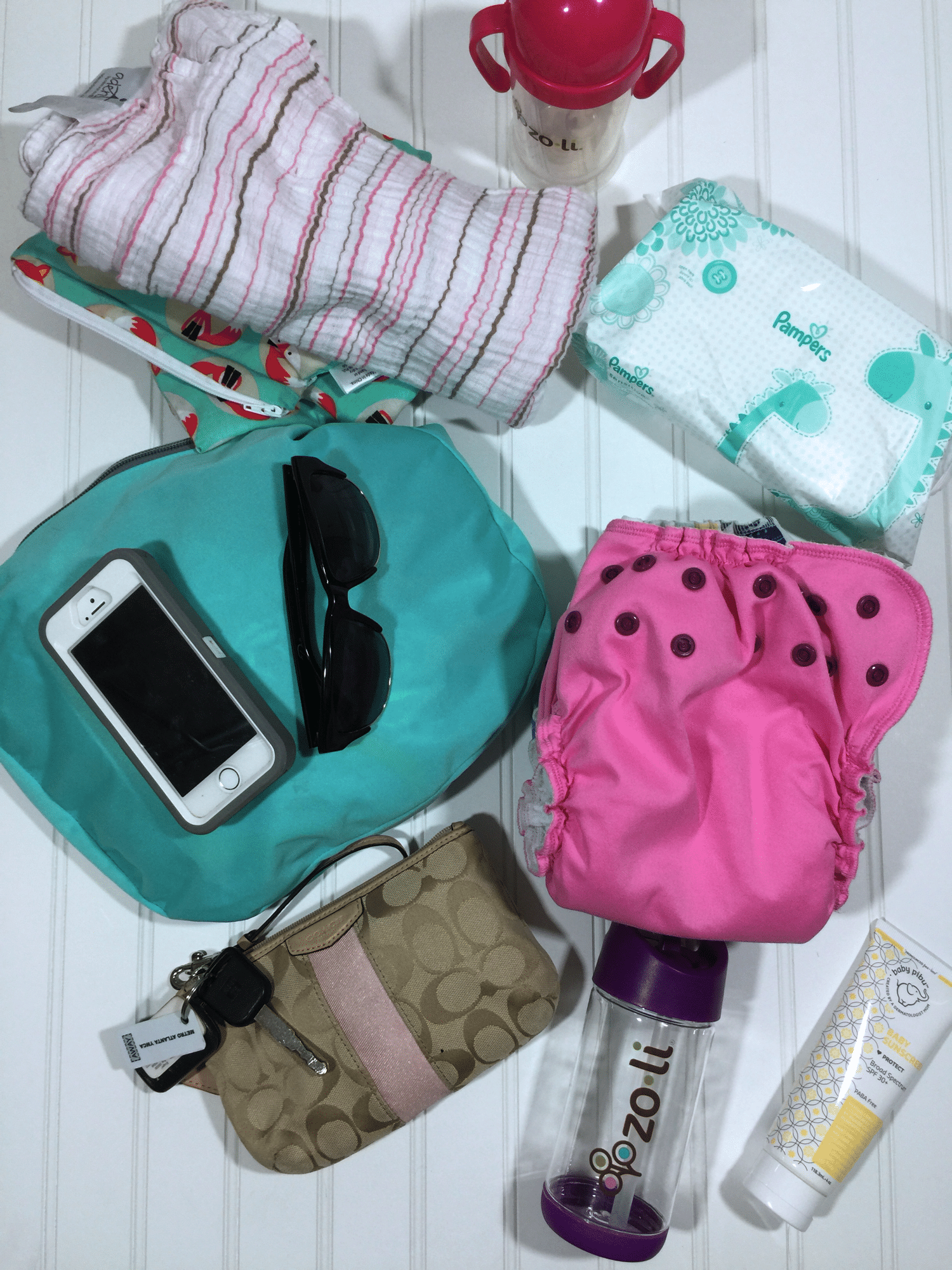 what's in my diaper bag jujube bff