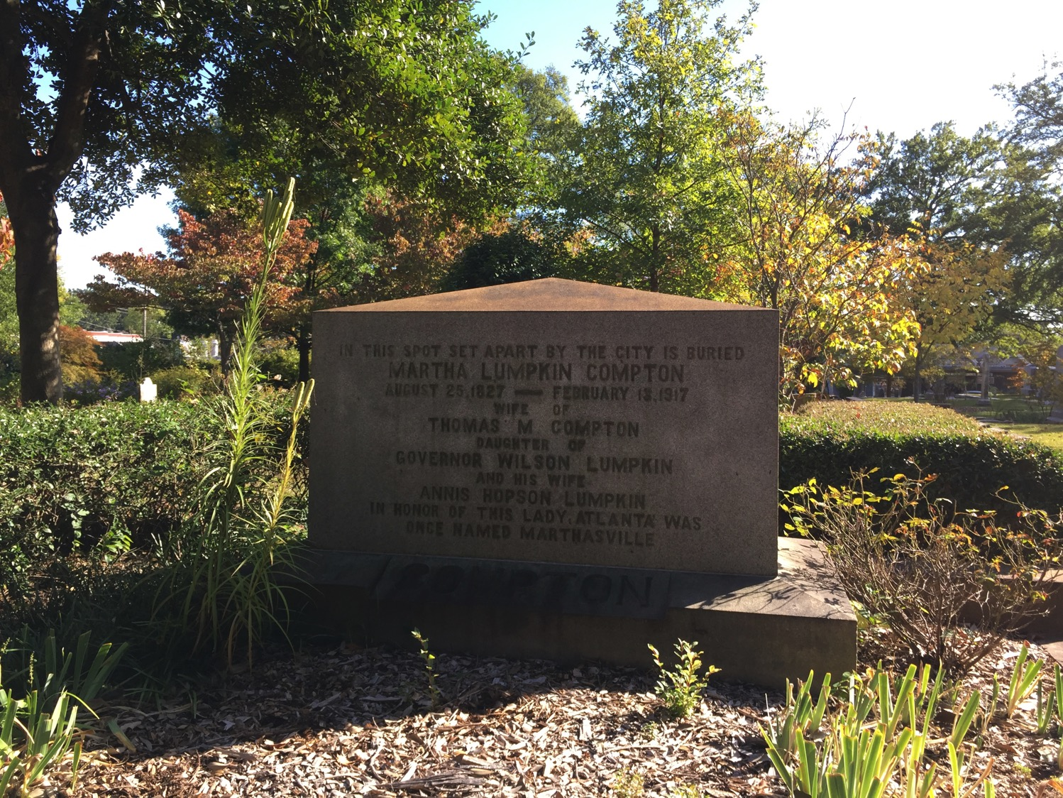atlanta sightseeing tour | Oakland Cemetery