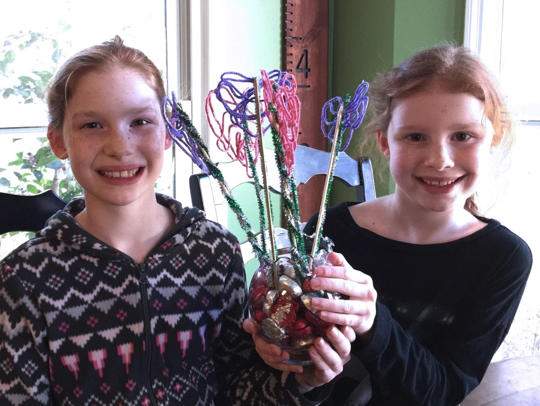 Creative galaxy yarn heart centerpiece bouquet sisters