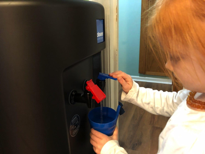 Fontis water review kid getting water