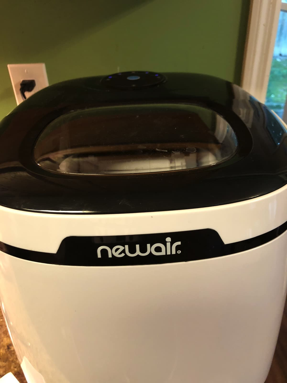 NewAir Ice Maker for home
