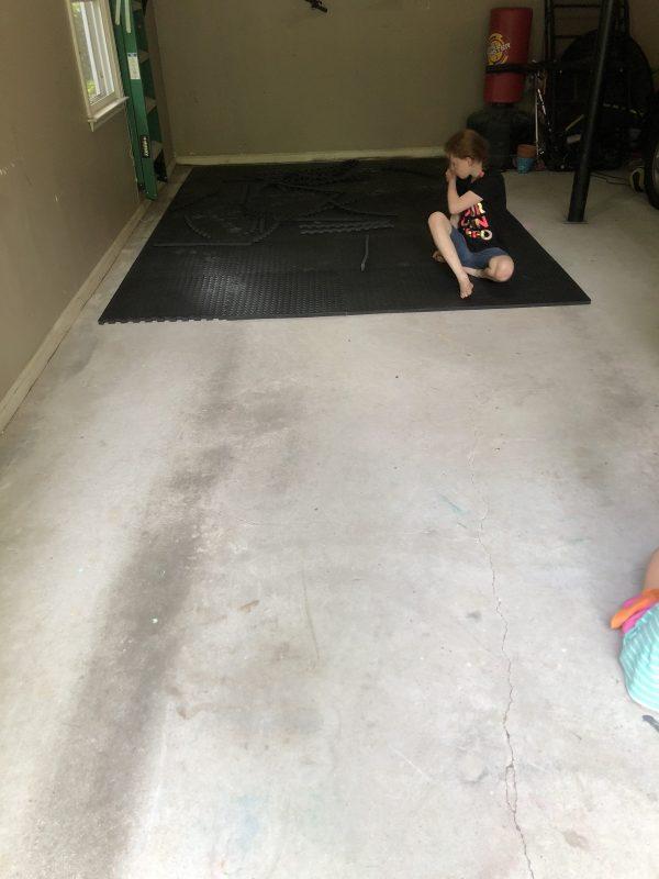 putting the garage gym flooring down