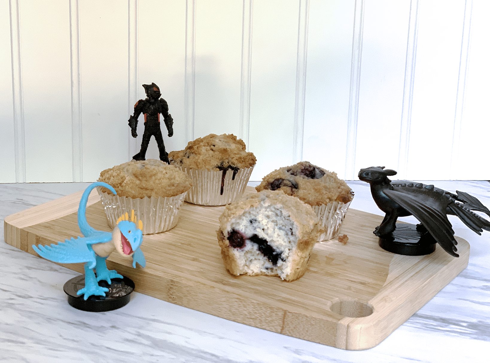 Blueberry muffins with streusel topping with how to train your dragon