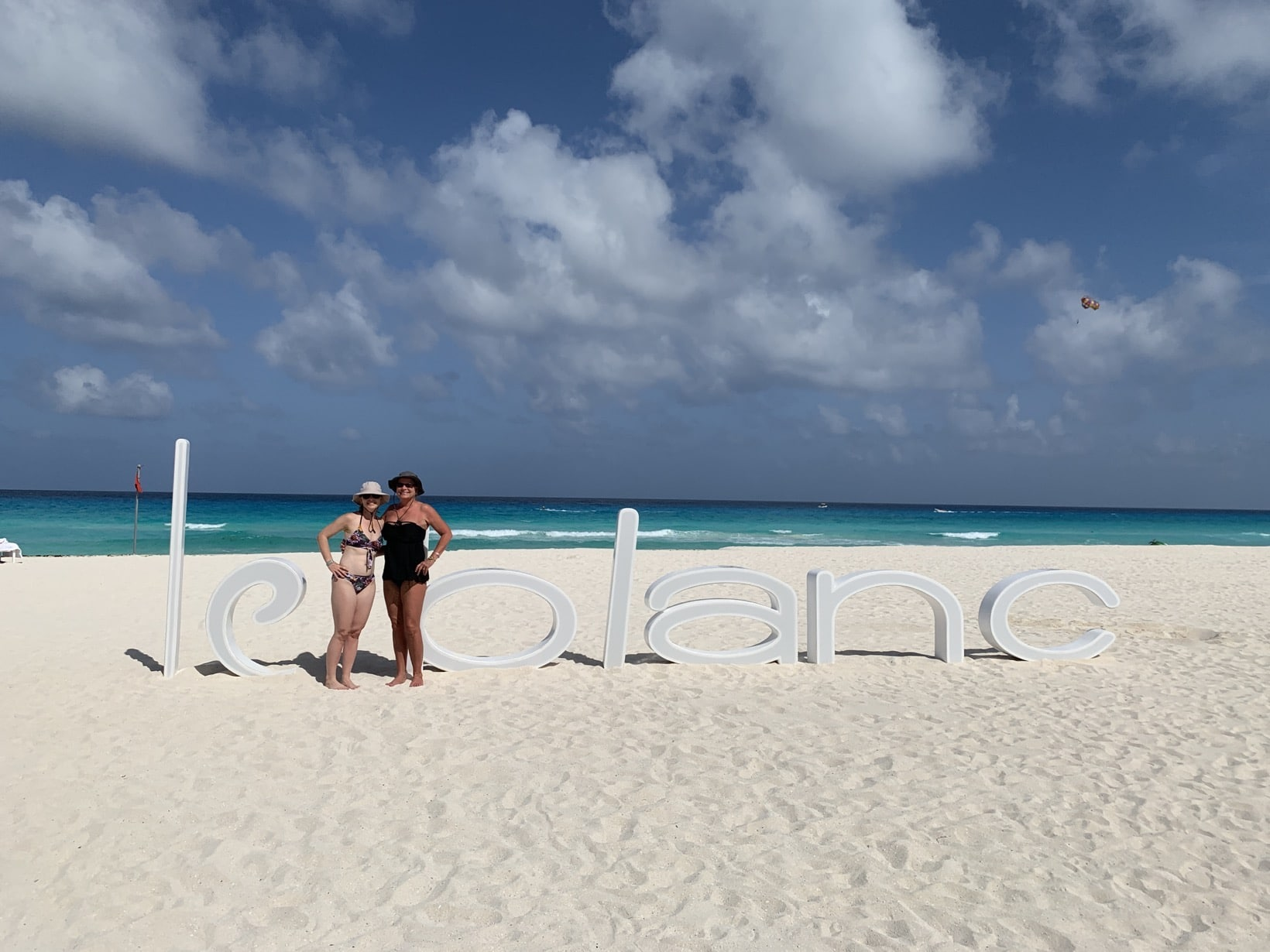 Mommy and Me Monday in Cancun le blanc
