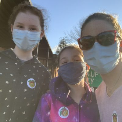 georgia senate run-off election voting with daughters
